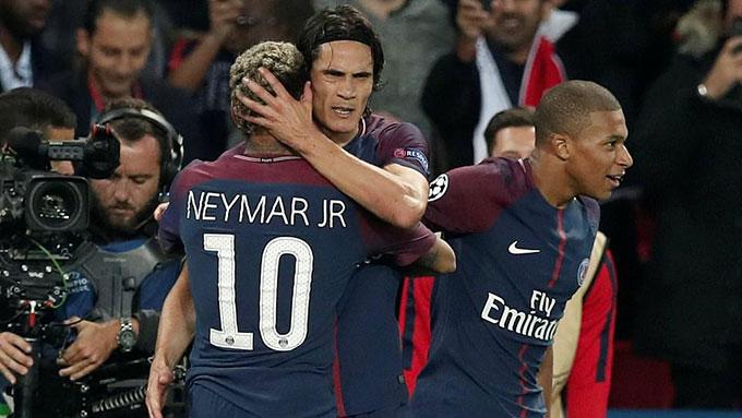 Cavani không chấp Neymar và thi đấu khá thành công