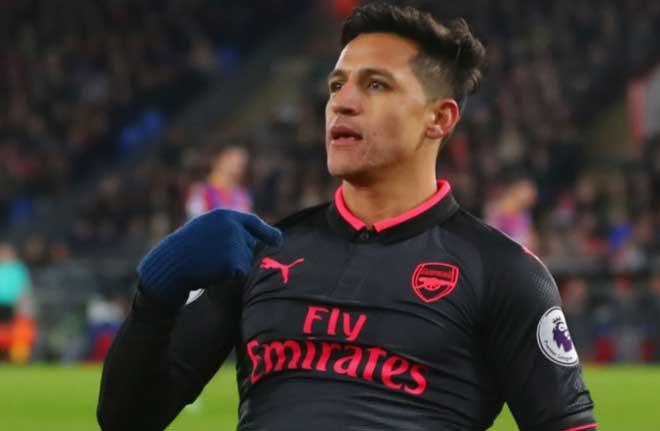 Fan Arsenal cho rằng Sanchez thiếu trung thành
