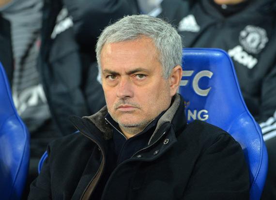 Để có được Sanchez thì Mourinho phải từ bỏ 2 sao khác