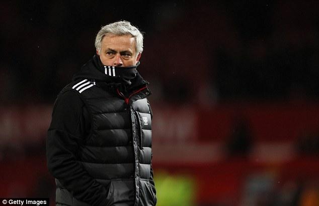 Mourinho không sợ bị phế ngôi ở Man United