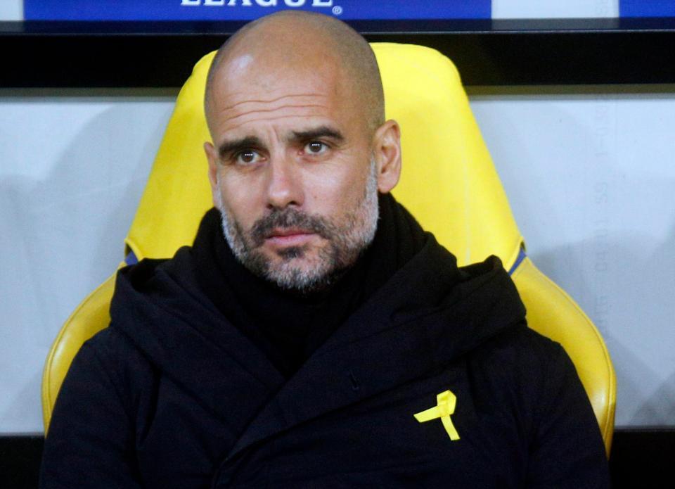 Pep Guardiola lĩnh án phạt từ FA