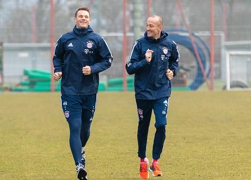 Neuer đã tái xuất sau 6 tháng dưỡng thương