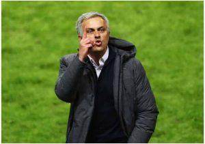 Mourinho tỏ ra bình thản trước tin đồn bị sa thải