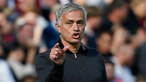 Mourinho chỉ ra 2 điểm yếu MU cần bổ sung bằng các tân binh