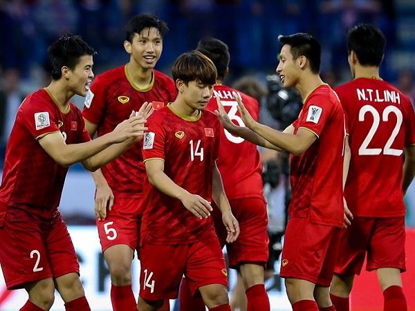 ĐT Việt Nam bất ngờ tụt hạng trên BXH FIFA