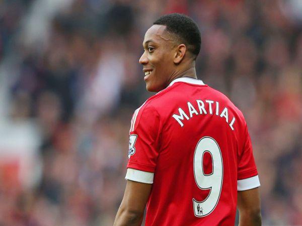 Martial hé lộ cách đoạt áo số 9 ở M.U
