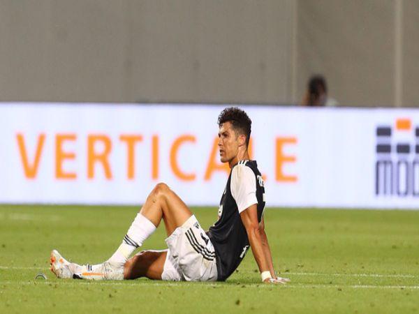 Ronaldo không cứu được nổi Juventus hèn nhát