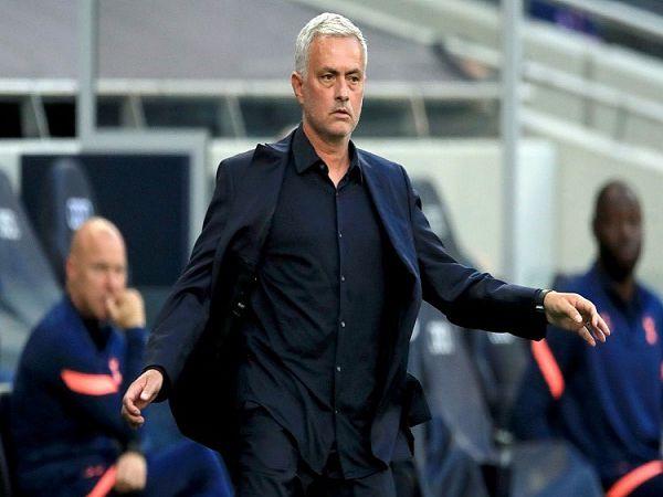 Tin bóng đá chiều 16/9: Mourinho dễ bị Tottenham sa thải