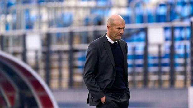 Zidane chính thức chia tay Real sau mùa giải trắng tay
