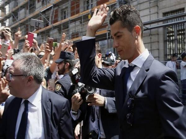 Tin chuyển nhượng 21/7: Ronaldo sắp trở thành đối thủ của MU