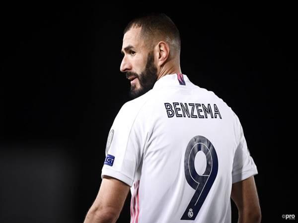 Chuyển nhượng bóng đá 3/8: Benzema ký hợp đồng mới với Real