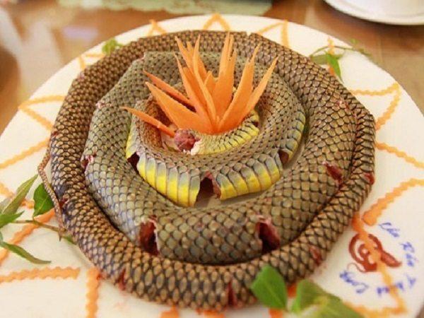 Giải mã giấc mơ thấy ăn thịt rắn điềm báo gì?